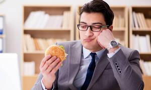 Οι τροφές που επηρεάζουν τον ύπνο και τη διάθεση (βίντεο)