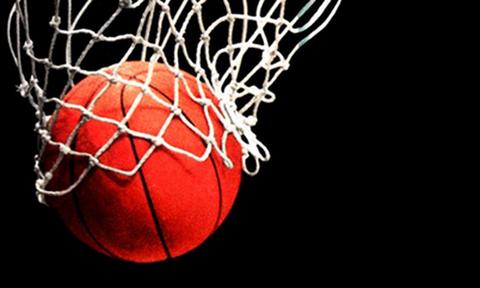 Евролига пожизненно запретит посещать игры напавшим на судей после матча в Греции