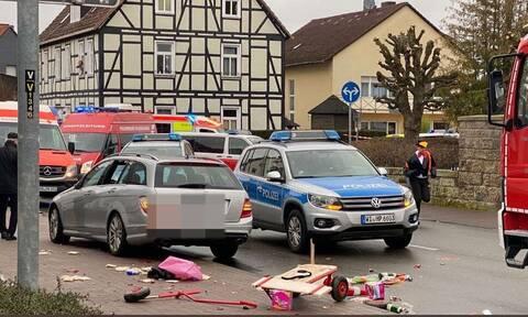 Γερμανία: Αυτοκίνητο παρέσυρε πεζούς - Οι πρώτες εικόνες από το σημείο που έγινε το ατύχημα (pics)