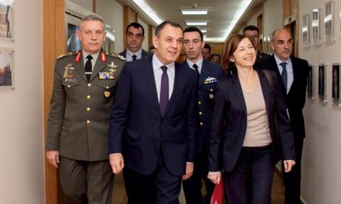 Ελλάς - Γαλλία - στρατιωτική συνεργασία: Τα… δώρα της Παρλί στον Παναγιωτόπουλο