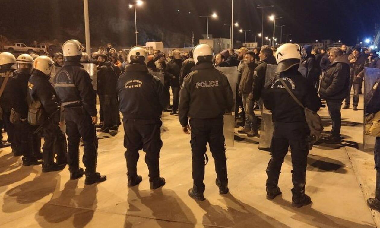 Μεταναστευτικό: Επεισόδια και χημικά στο λιμάνι της Χίου