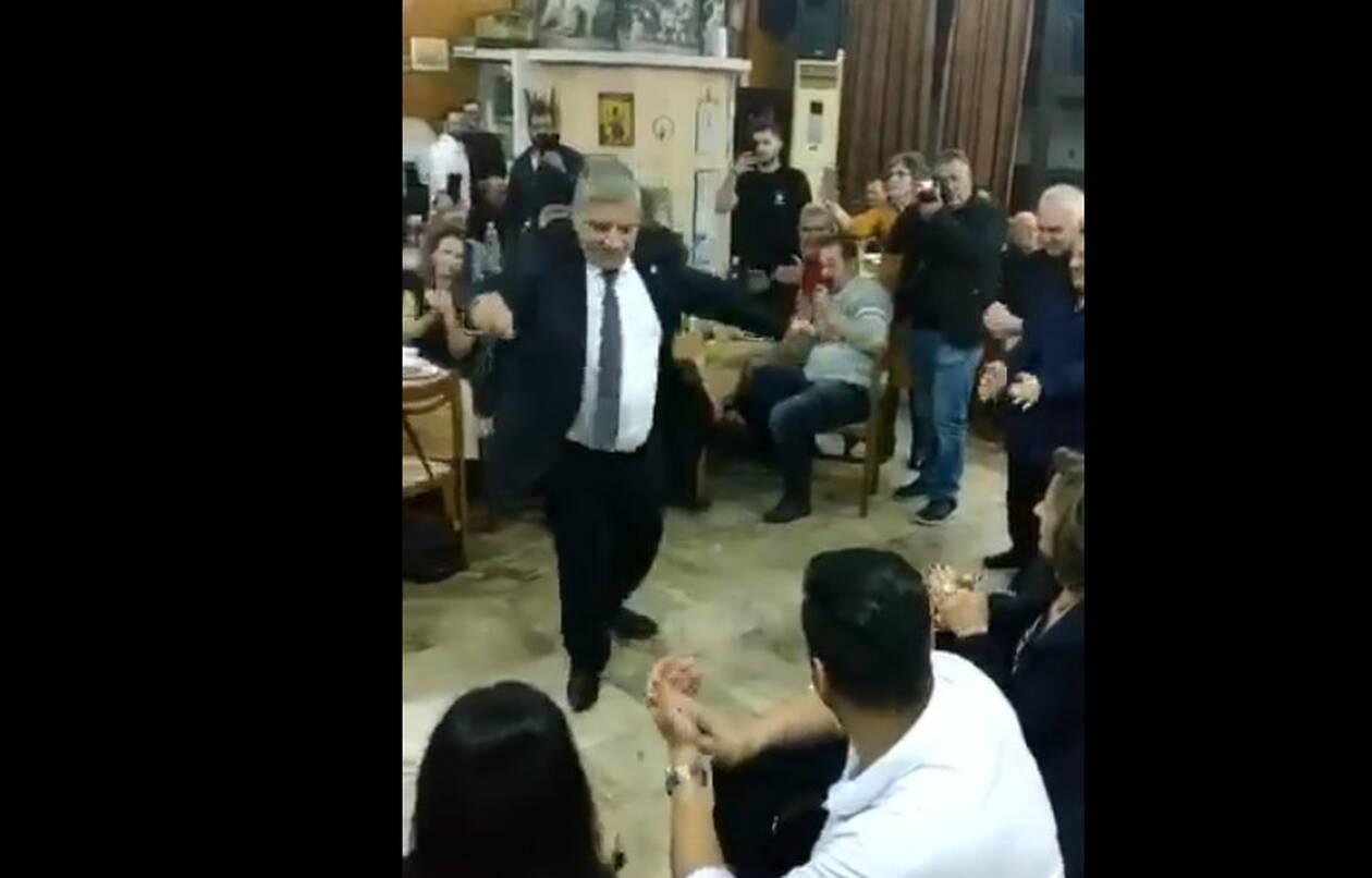 Άλλο ένα λεβέντικο ζεϊμπέκικο χόρεψε ο Πατούλης