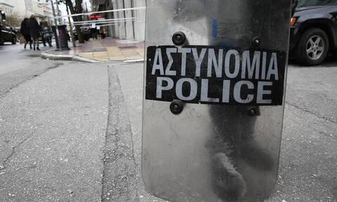 ΤΩΡΑ: Έκλεισε η Πατησίων - Ένταση με οδοφράγματα μπροστά από την ΑΣΟΕΕ