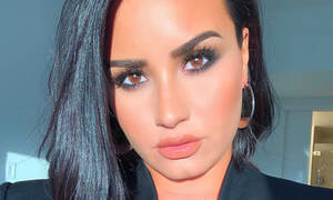 Η Demi Lovato εμφανίστηκε χωρίς ίχνος μακιγιάζ και το Instagram την αποθέωσε