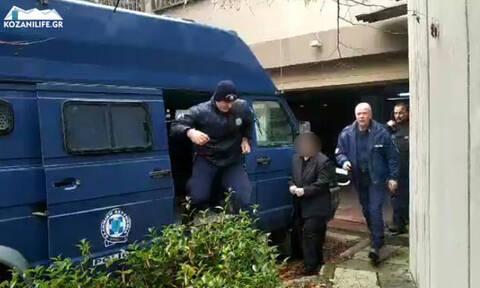 Κωστής Πολύζος: Απολογήθηκε η μητέρα του - «Είμαι αθώα, θέλουν να μας ενοχοποιήσουν»