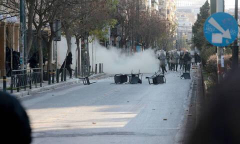 В Афинах из-за беспорядков перекрыты центральные проспекты