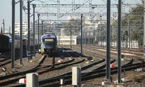 Συγκίνηση στον Προαστιακό: Δείτε τι έκανε ο οδηγός - Χειροκροτούσε όλο το τρένο (pics)