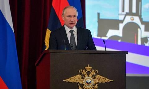 Путин потребовал жестко реагировать на произвол и фальсификации со стороны полиции