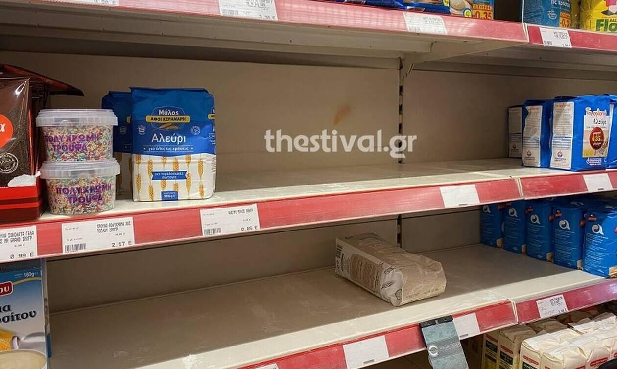 Κοροναϊός στην Ελλάδα: Αδειάζουν τα σούπερ μάρκετ στη Θεσσαλονίκη - Πανικός μετά το πρώτο κρούσμα