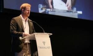 ΣΟΚ για την Ελισάβετ: «Πάγωσαν» οι παρευρισκόμενοι σε ομιλία του Χάρι στο Εδιμβούργο – Δείτε τι είπε