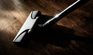 Αυτά είναι τα τεράστια λάθη με την ηλεκτρική σκούπα - Τι δεν πρέπει να σκουπίζουμε (pics)