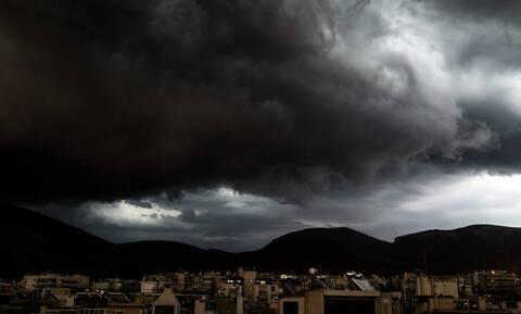 Αλλάζει ο Καιρός: Πέμπτη με καταιγίδες και πτώση της θερμοκρασίας - Πού και πότε θα χιονίσει (pics)
