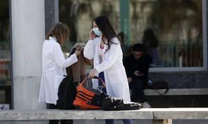 Κοροναϊός: Δεύτερο κρούσμα στην Ελλάδα - Θετικό στον ιό και το παιδί της 38χρονης