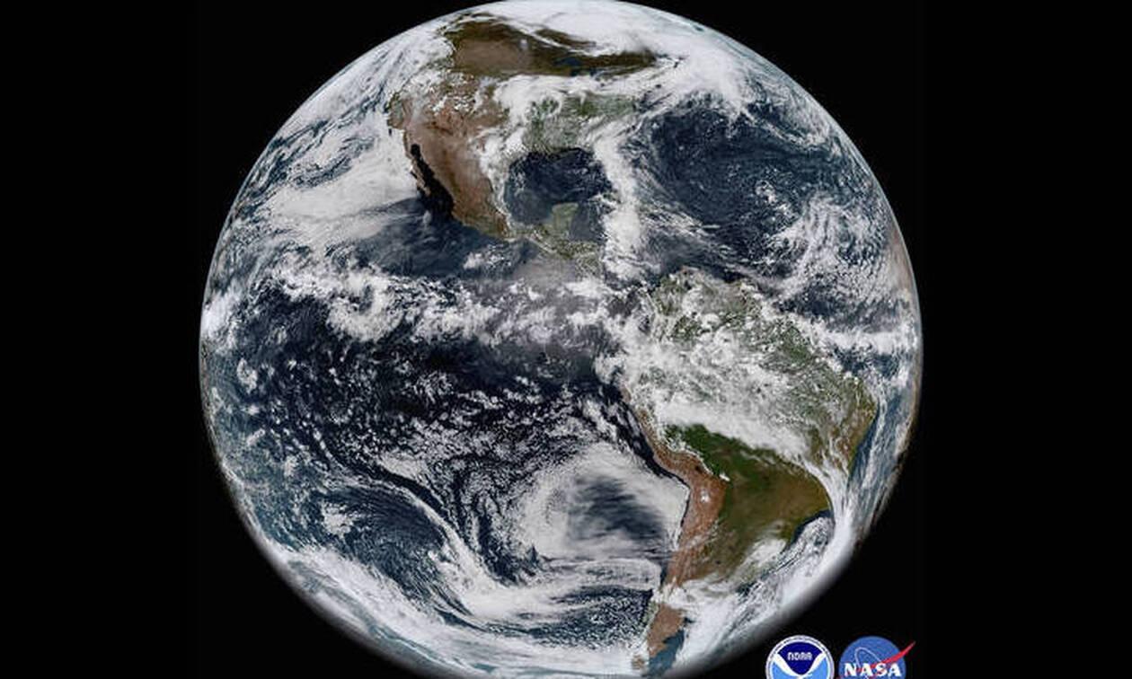 Η Γη απέκτησε έναν ολοκαίνουριο δορυφόρο σε μέγεθος... αυτοκινήτου