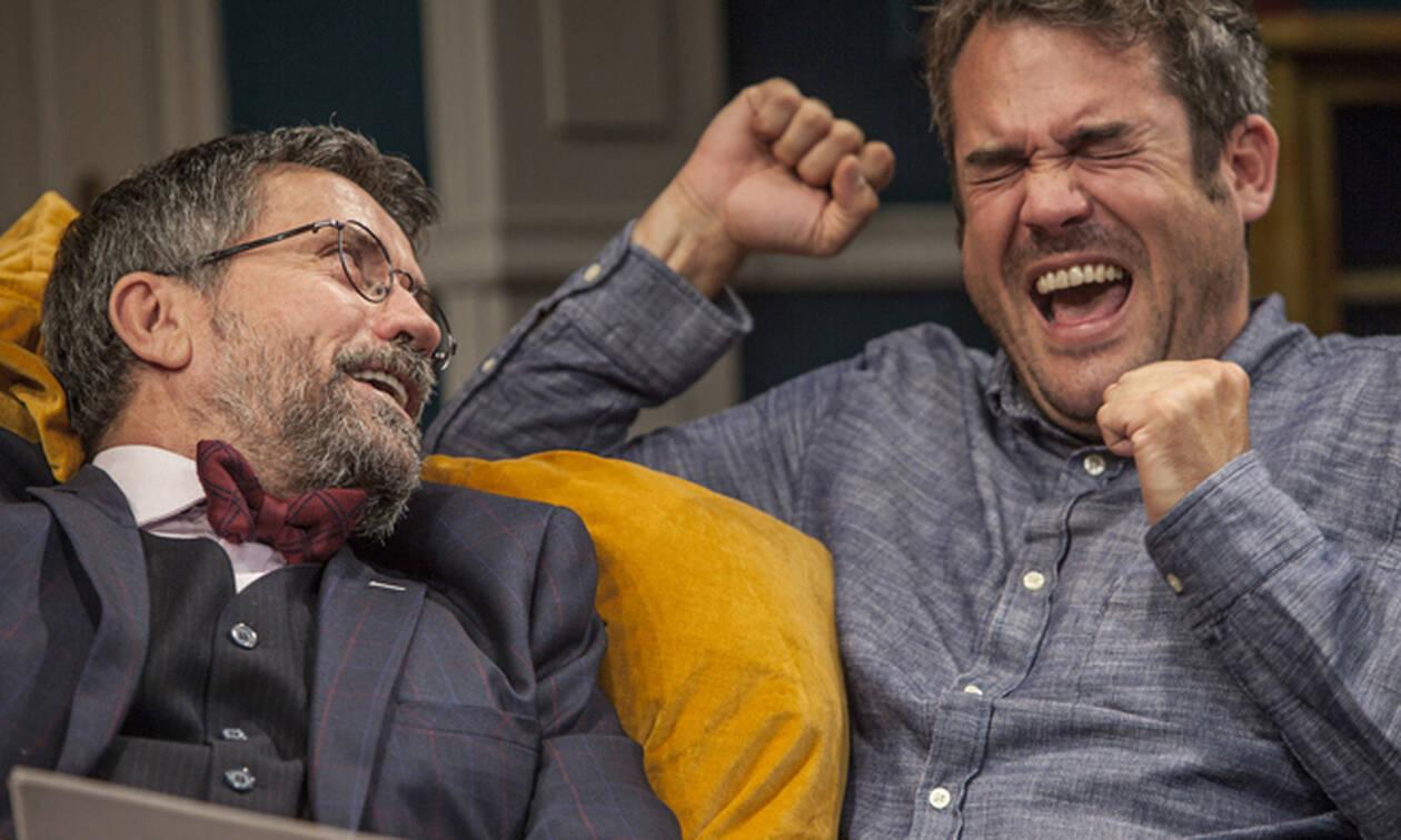«Δείπνο ηλιθίων»: Τελευταίες παραστάσεις και μετά πάει... γι' άλλες πολιτείες