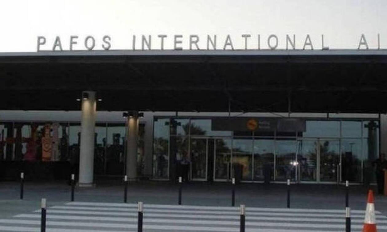 Αναγκαστική προσγείωση αεροπλάνου με οπαδούς του ΑΠΟΕΛ στο Αεροδρόμιο Πάφου