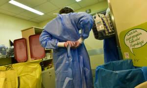Κοροναϊός: Το μοιραίο λάθος της 40χρονης – Πώς ενδέχεται να μετέδωσε τον ιό και σε άλλους