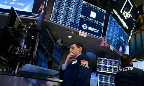 Ο κοροναϊός «μόλυνε» τη Wall Street - Χωρίς τέλος η πτώση στο πετρέλαιο