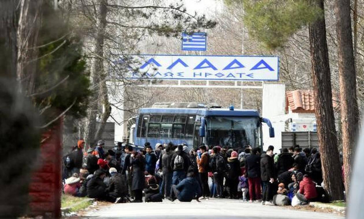 Έβρος: Έκλεισε το τελωνείο στις Καστανιές – Εκατοντάδες μετανάστες πήγαν να περάσουν τα σύνορα