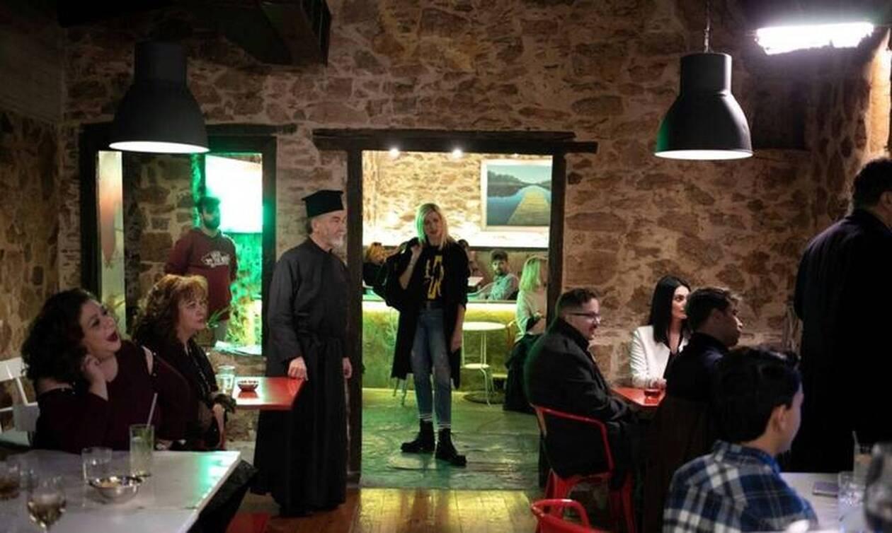 Το Καφέ της Χαράς: Τα εγκαίνια του καφέ και η νέος ρόλος