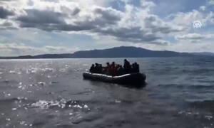 Βίντεο: Μετανάστες στα τουρκικά παράλια επιβιβάζονται σε βάρκες για τα ελληνικά νησιά