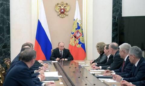 Путин и члены Совбеза РФ выразили обеспокоенность в связи с ситуацией в Идлибе
