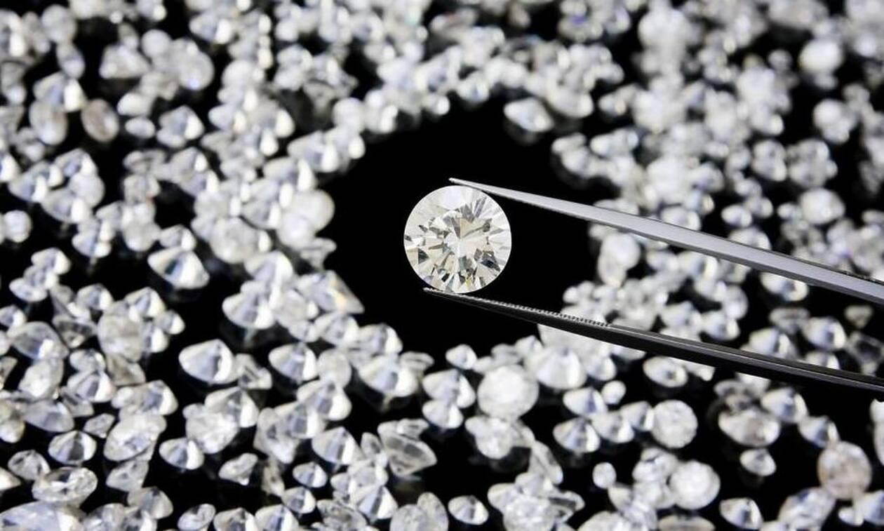 Κινηματογραφική διάρρηξη στην Κύπρο: Άρπαξαν από διαμέρισμα διαμάντια αξίας 250 χιλιάδων ευρώ