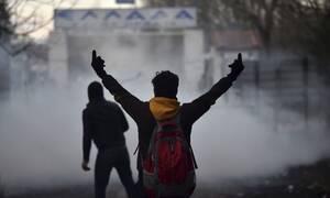 «Μάχες» στα ελληνοτουρκικά σύνορα: Ένταση, επεισόδια και σκηνές χάους (pics&vid)