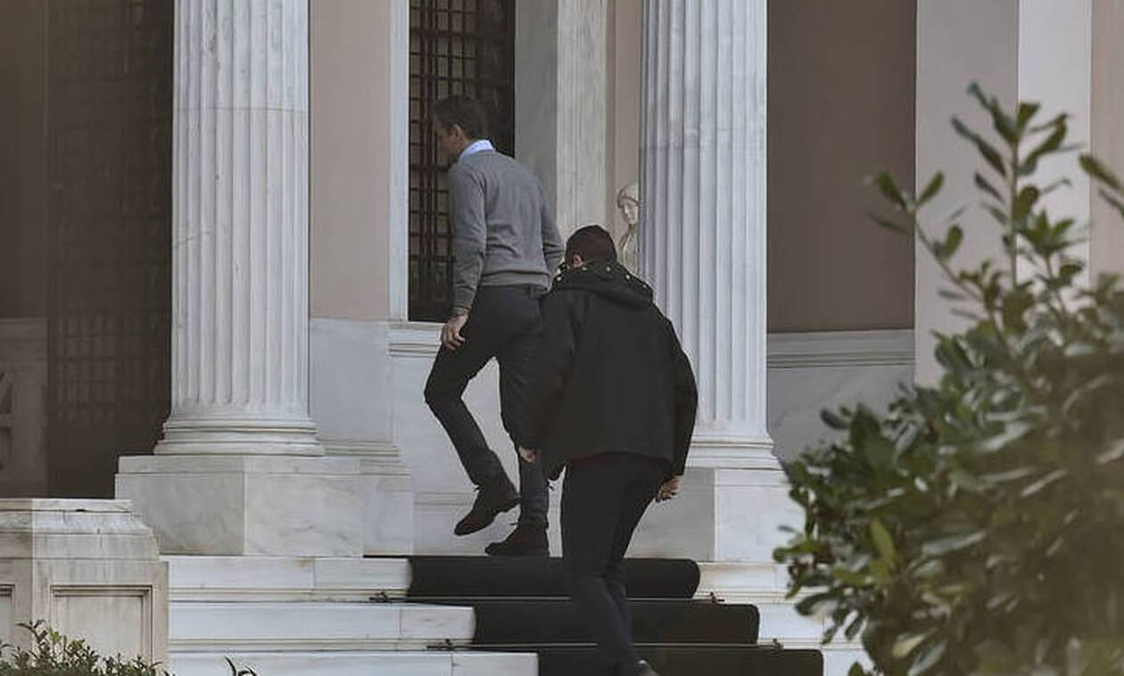 Κοροναϊός στην Ελλάδα: Σύσκεψη υπό τον Μητσοτάκη στο Μαξίμου