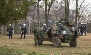 Έβρος: Έκρυθμη η κατάσταση - Χιλιάδες μετανάστες «πολιορκούν» τα σύνορα - Ενισχύονται οι δυνάμεις