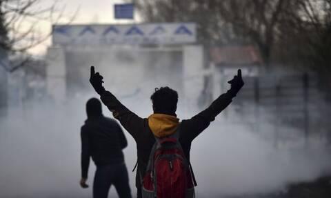 Έβρος - Απίστευτη πρόκληση από Αλγερινό: «Οι γ@μημέν@ι Έλληνες δεν μας ανοίγουν τα σύνορα» (vid)