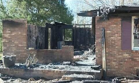 Φρίκη: 16χρονη έκαψε την οικογένειά της - «Κλέφτηκε» με τον σύντροφό της