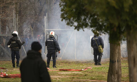 Έβρος: Τρόφιμα σε στρατιώτες και αστυνομικούς – Κύμα αλληλεγγύης από τους Έλληνες πολίτες