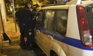 Χαλάνδρι: Επίθεση με γκαζάκια σε πολυκατοικία που μένει δημοσιογράφος