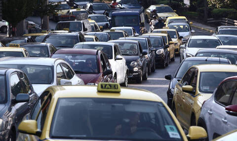 Κίνηση ΤΩΡΑ: Χάος στην Αθηνών-Λαμίας - Απίστευτο μποτιλιάρισμα με ουρές χιλιομέτρων