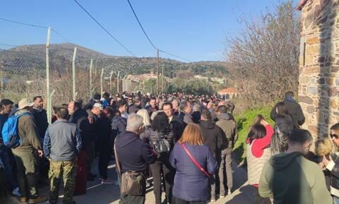 Μεταναστευτικό - Χίος: Μπλόκα μέχρι την Πέμπτη αποφάσισαν οι κάτοικοι των Καμποχώρων