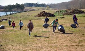 Έβρος: Οι Τούρκοι στήνουν καταυλισμούς χιλιάδων ατόμων έξω από τα σύνορα