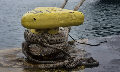 Δεμένα παραμένουν πλοία στα λιμάνια - Δείτε ποια δρομολόγια δεν πραγματοποιούνται