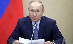 Путин: основная часть вбросов о распространении коронавируса в России идет из-за границы
