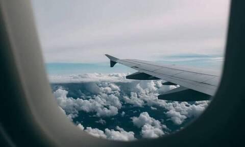 Τρόμος σε πτήση: Αναγκαστική προσγείωση αεροσκάφους (pics)
