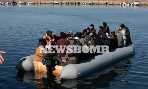 Μεταναστευτικό: Οι ροές σε αριθμούς, τα κλειστά κέντρα και οι απελάσεις «εξπρές»