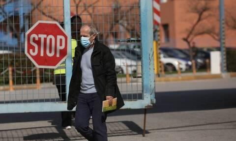 Δήμαρχος Αμαλιάδας: Δεν είμαστε σε καραντίνα, αλλά ας αφήσουμε τις χειραψίες για λίγο