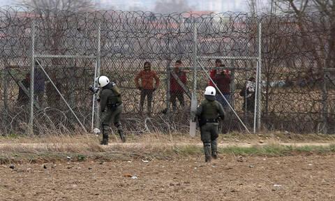 «Βρώμικα» κόλπα των Τούρκων στον Έβρο: Βάζουν περούκες σε μετανάστες και τους μαρκάρουν με βραχιόλια