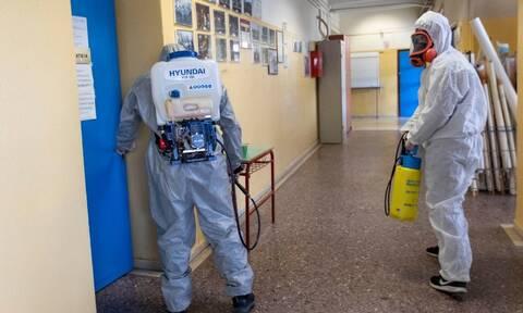 Κοροναϊός: Προληπτική απολύμανση σε όλα τα σχολικά κτήρια του Δήμου Πειραιά και στην Αμαλιάδα