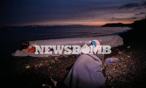 Αποστολή του Newsbomb.gr στην Μυτιλήνη: 42 άτομα έφτασαν με λέμβο στη Σκάλα Συκαμνιάς