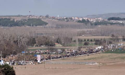 Μεταναστευτικό: Πού θα γίνουν τα κέντρα κράτησης – Πώς απαντά η κυβέρνηση στο σχέδιο Ερντογάν