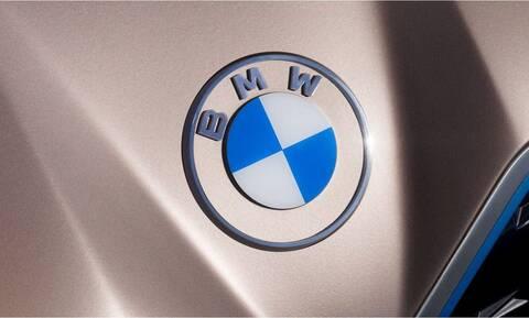 Η BMW άλλαξε λογότυπο και το νέο σήμα της δεν έχει το μαύρο δαχτύλιο