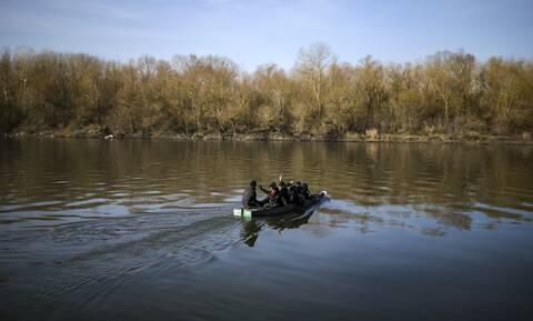 Βίντεο-ντοκουμέντο από τον Έβρο: Μετανάστες προσπαθούν να περάσουν τον ποταμό Άρδα
