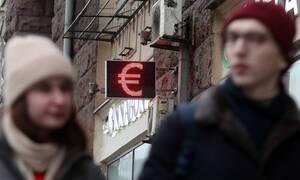 Курс евро превысил 77 рублей впервые с января 2019 года