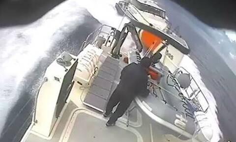 Ακραία πρόκληση από την τουρκική ακτοφυλακή: Επιχείρησε να εμβολίσει ελληνικό σκάφος (vid)